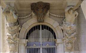 Door of the Hôtel de Ville at Toulon